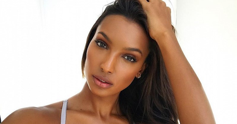 15 photos of Jasmine Tooks – a model that is worth your attention